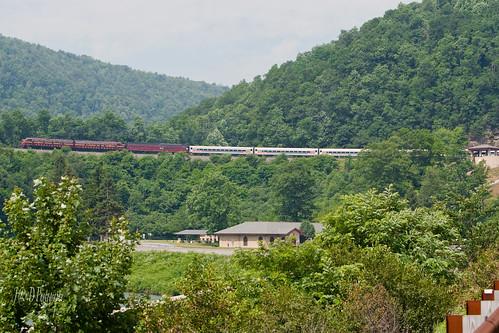 trains e8 prr altoona horseshoecurve emd 5711 railfest 5809