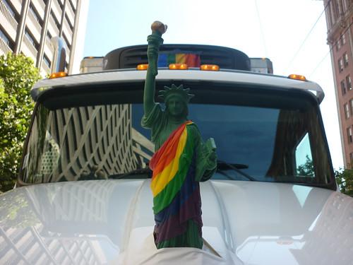 2013_gay-pride_01