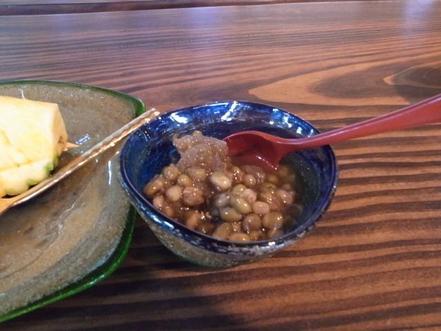 <p>p)デザートの青豆ぜんざい</p>