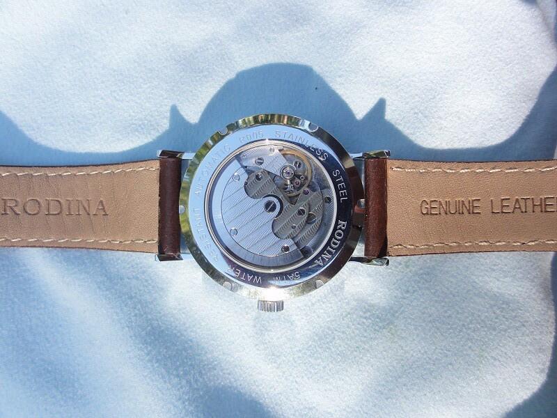 Quai đồng hồ chính hãng