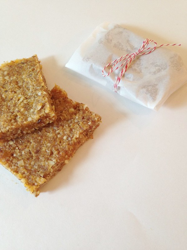 sometimes I cook: coconut apricot snack bars.