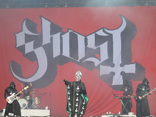 Ghost - Papa Emeritus II & Nameless Ghouls