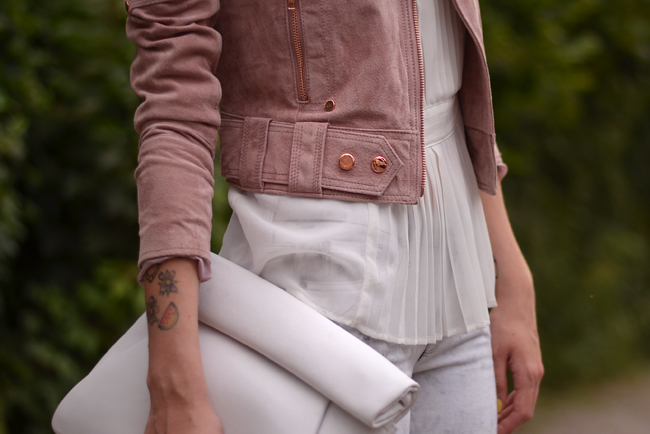 Goosecraft leather jacket outfit post pink and white 1