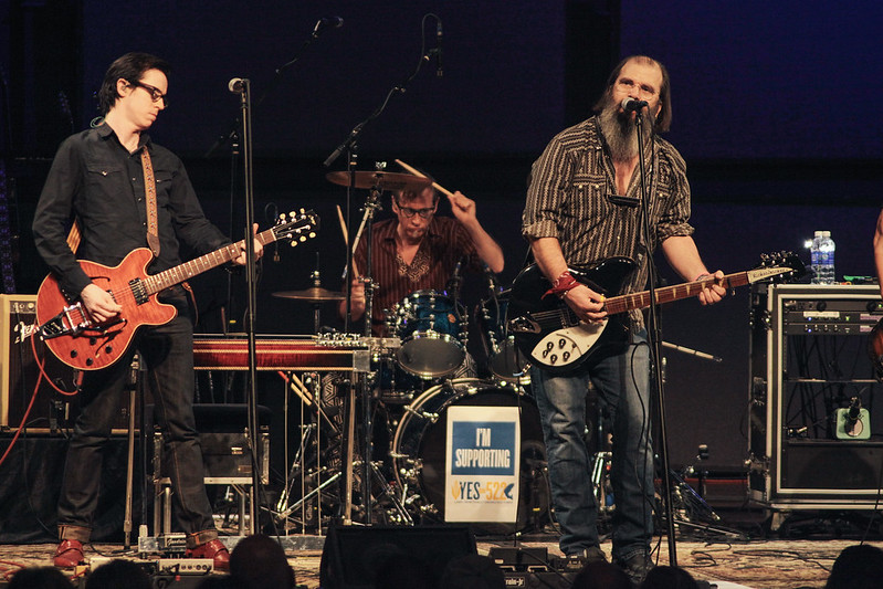 Steve Earle & The Dukes with The Mastersons live at the Shedd 10/1