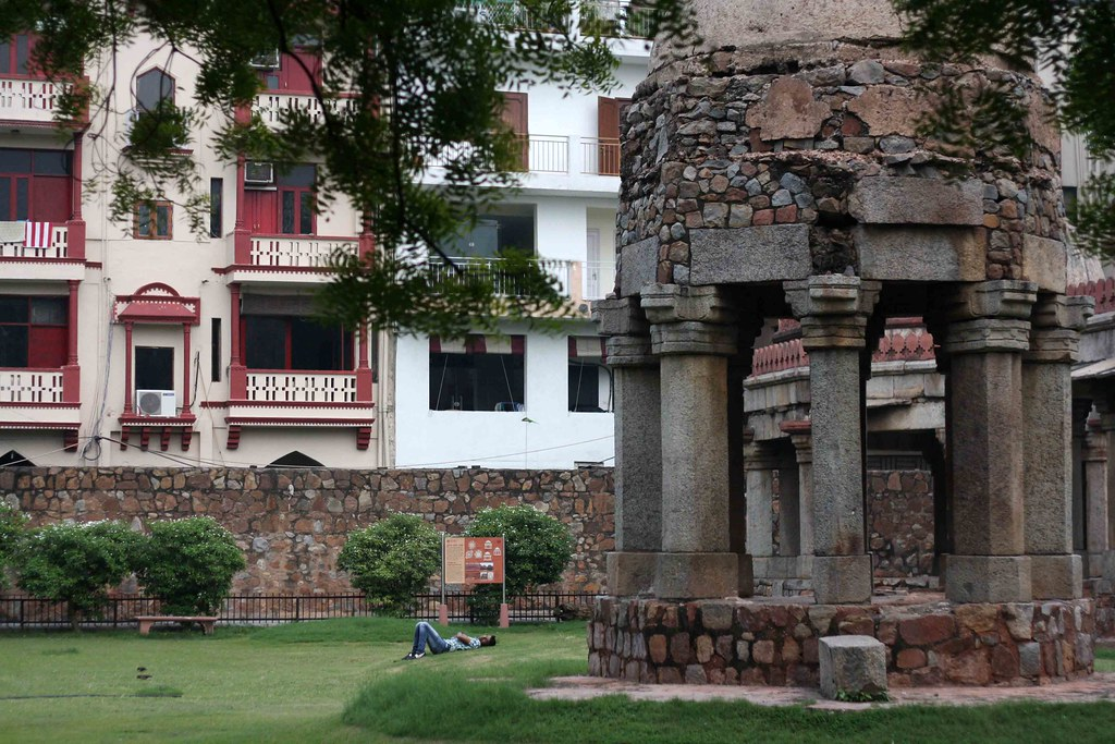 Hauz Khas Series – A House in the Village, Chapter 5
