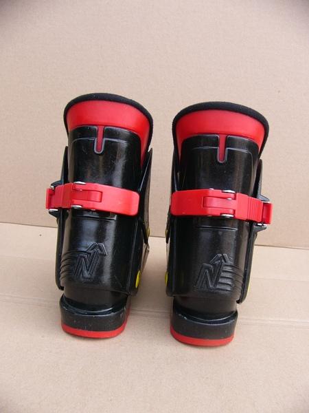 48289a696bd 18.13  dětské lyžáky NORDICA 127 - Bazar - SNOW.CZ