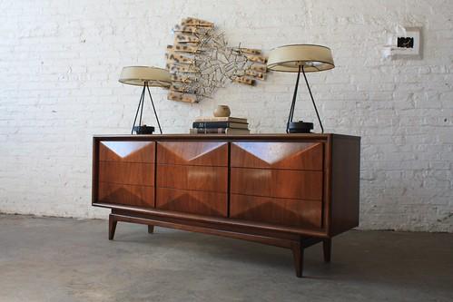 Brilliant Mid Century Modern United Diamond Front Long Dresser (U.S.A. 1960s)