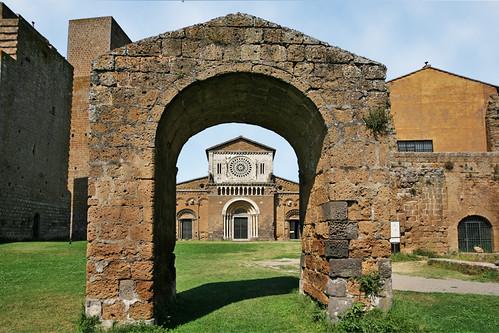 Tuscania - Die Kirche von San Pietro