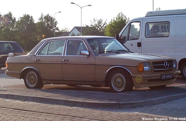 Mercedes W123 230E 1978
