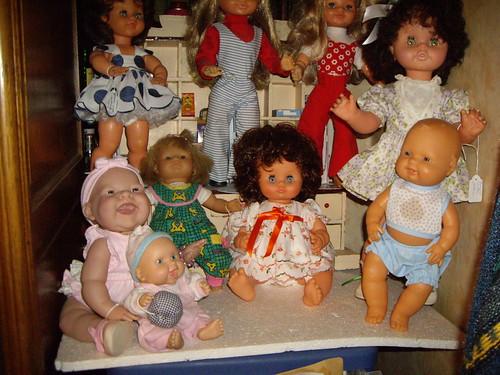 Les poupées de ma maison  11367972293_185bac9183