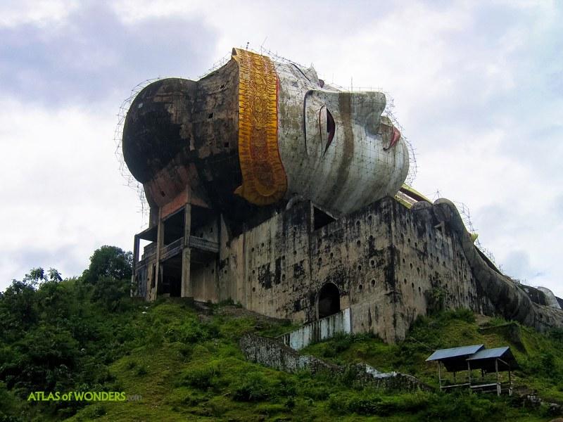 Buda Gigante Birmania