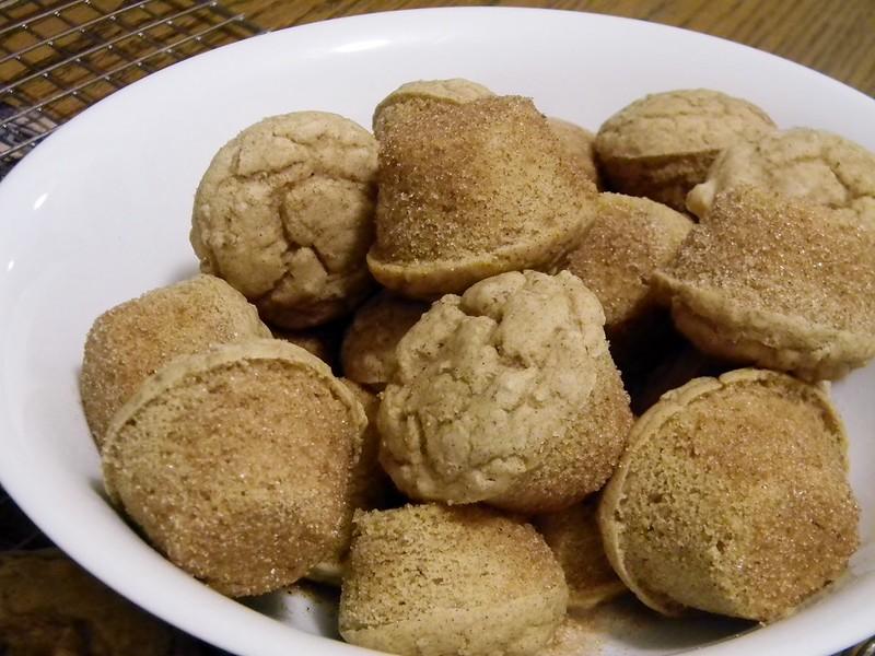 Quinoa Cinnamon-Sugar Doughnut Holes