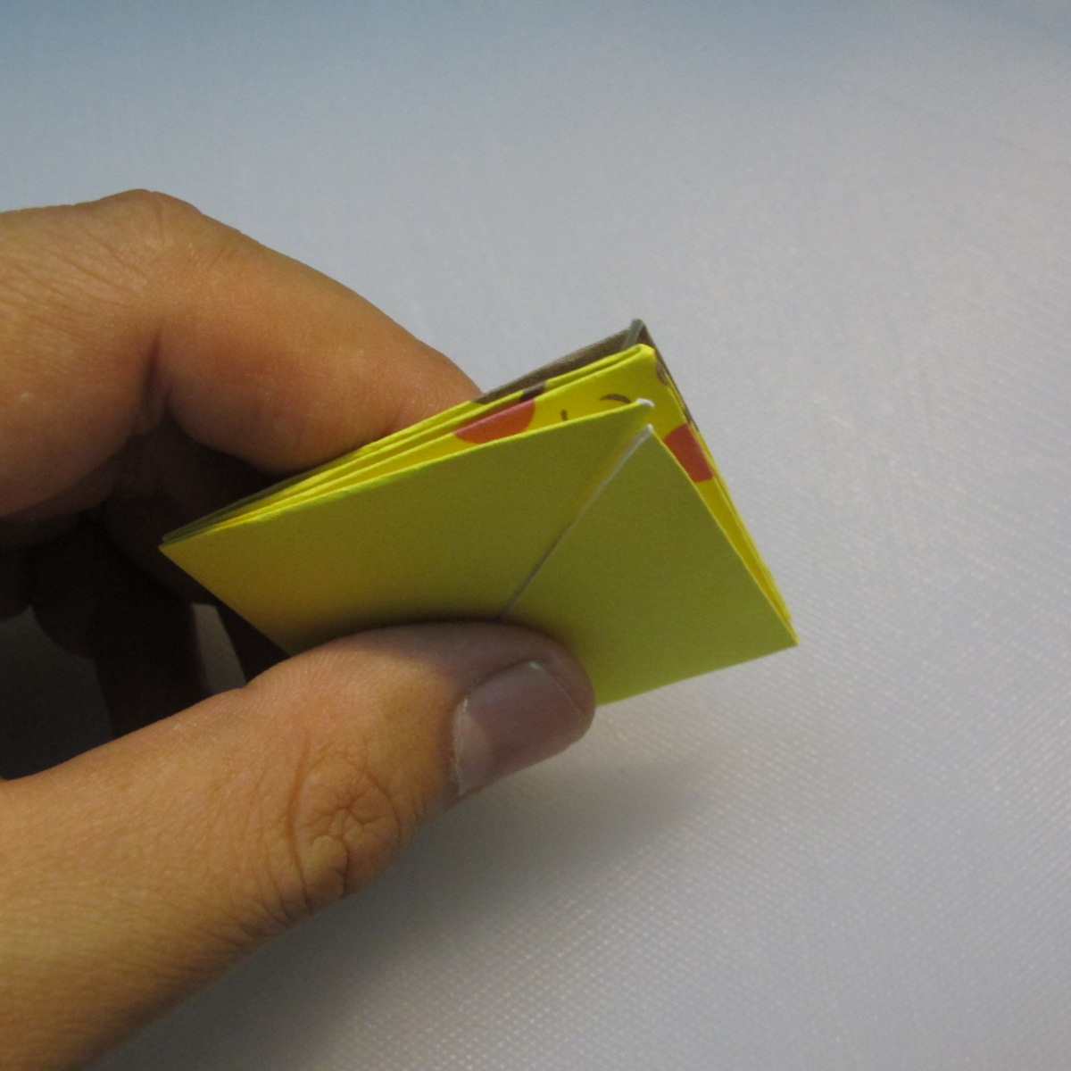mookeep-วิธีพับกระดาษเป็นรูปปิกาจู-01-010