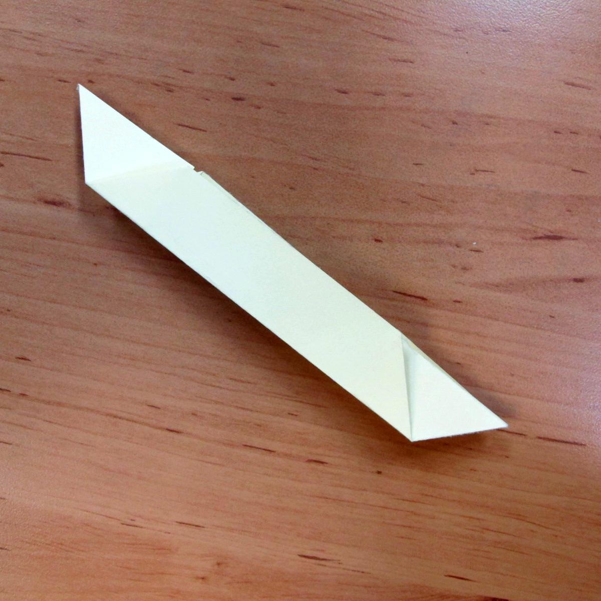 วิธีการพับกระดาษเป็นดอกบัวแบบแยกประกอบส่วน 006