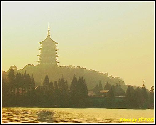 杭州 西湖 (其他景點) - 550 (西湖十景之 柳浪聞鶯 在這裡準備觀看 西湖十景的雷峰夕照 (雷峰塔日落景致)