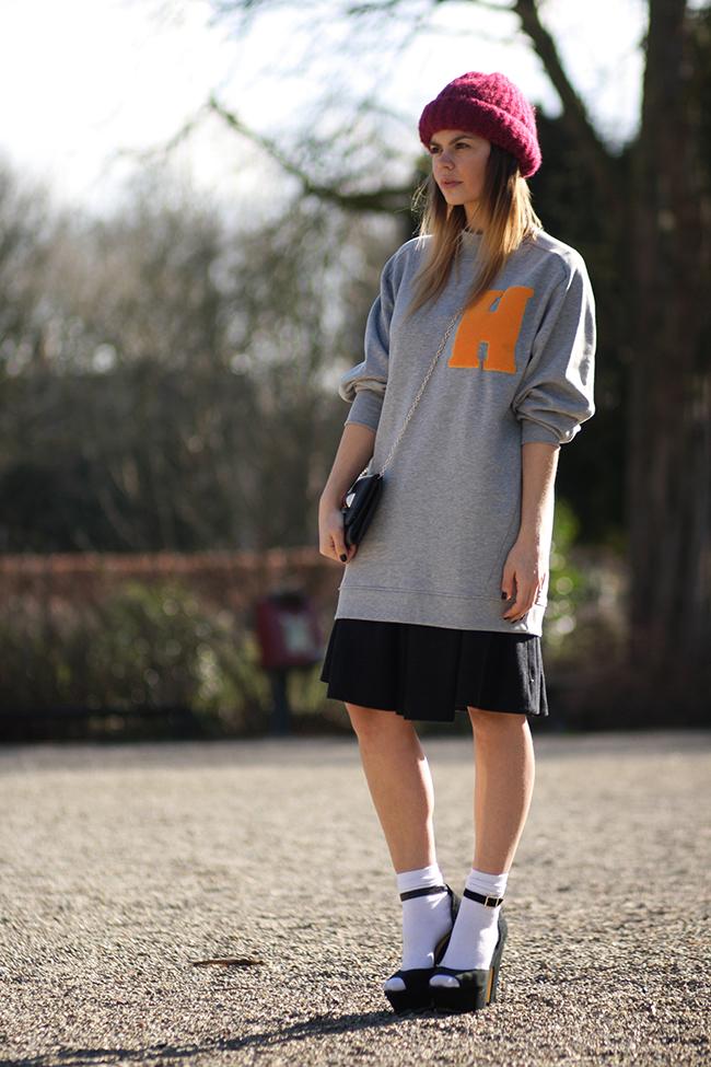 baseballsweater9-