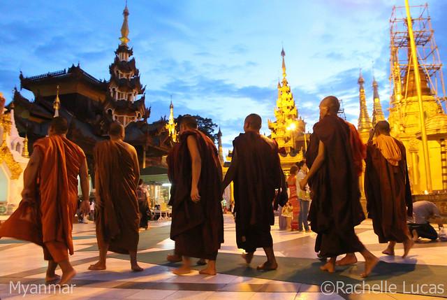 Shwedagon Pagoda-14