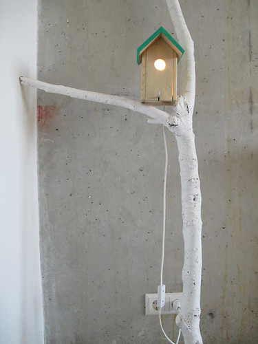 branch-and-birdhouse-lamp