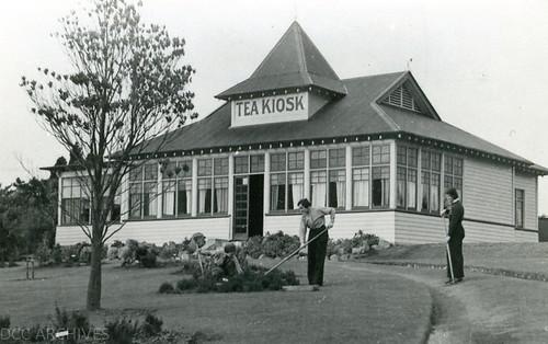 Tea Kiosk, Botanic Gardens c1930s.