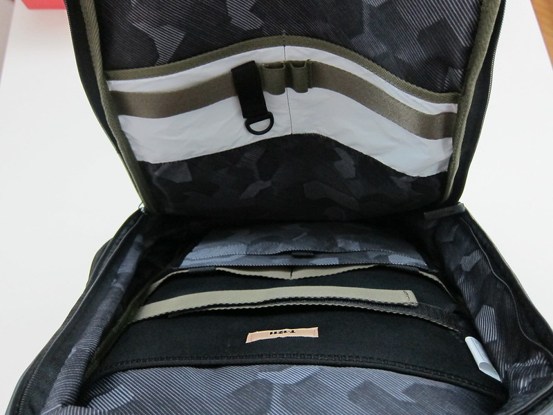 Targus T-1211 13-17 Backpack - Main Compartment