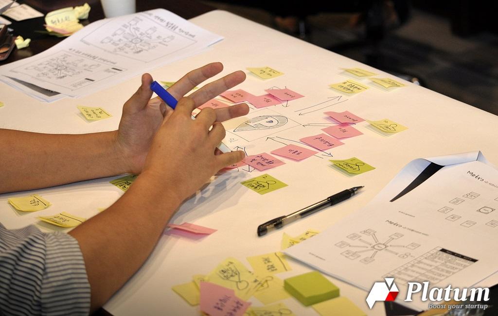 """""""그거 내가 해봐서 아는데 안 돼요"""" 당신은 팀원의 아이디어를 어떻게 관리하고 있는가? - 'Startup's Story Platform'"""