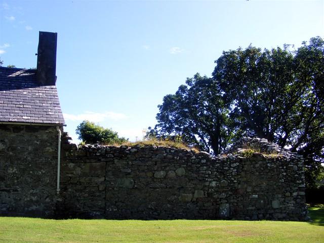 Lonan old church 009