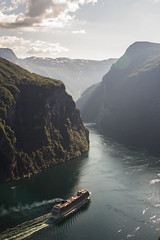 Cruise Ship Leaving Geiranger