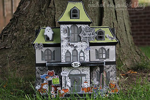 LFAugust_crittersincostume_hauntedhouse