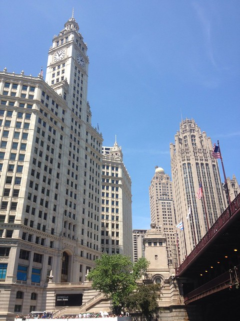 Tour Highlights Chicago Architecture Cruise Route. Travel all three branches of the Chicago River, starting down the main branch then traveling the North branch up to Chicago Ave. and down the South Branch to Polk Street.