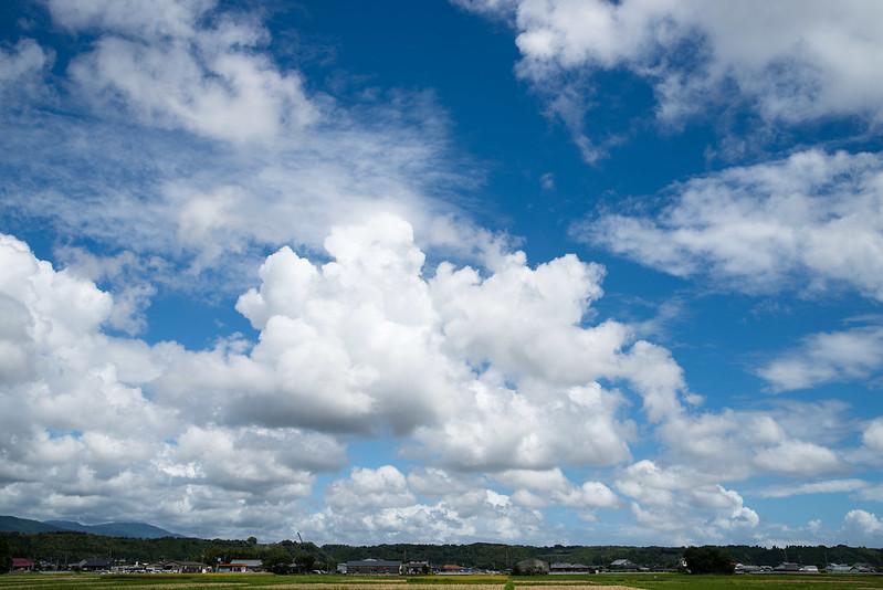 雲Clouds of August