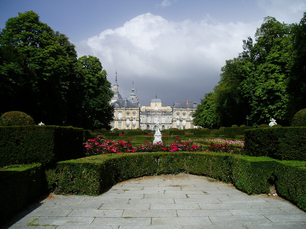 3. Vista del palacio desde los jardines. Autor, Asteresp