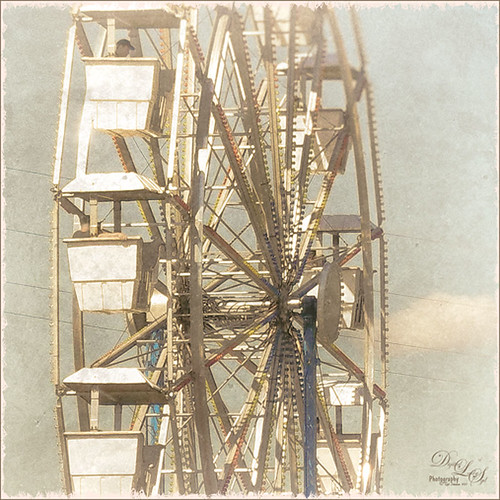 Ferris Wheel at Gulfstream Family Day image using Nik Analog Efex Pro