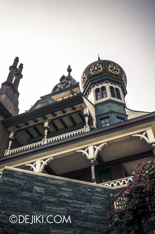 Mystic Manor - Gazing above