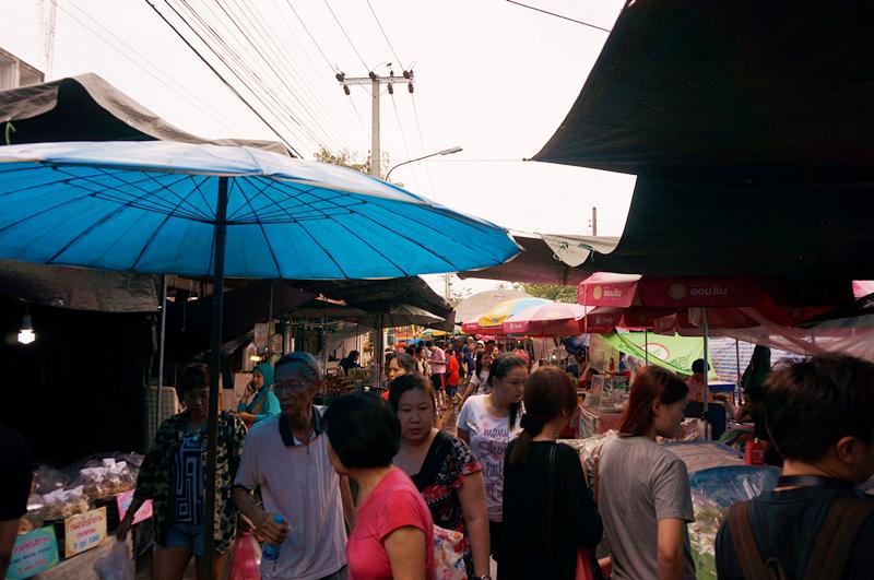 大林江水上市場 Taling Chan Floating market / 中國城 T&K Seafood / 考山路 Khao San Rd 酒吧小酌