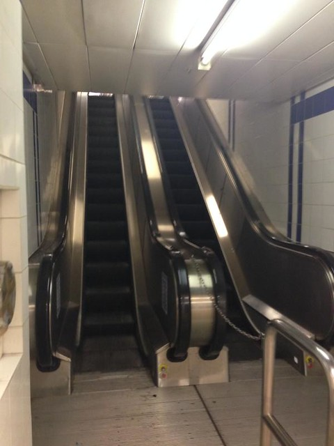 dorchester-hotel-escalator