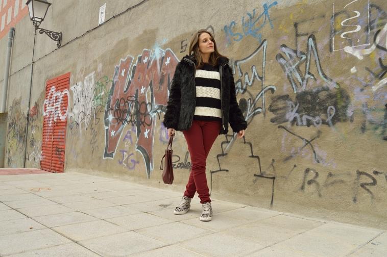 lara-vazquez-madlula-blog-burgundy-outfit-black-look