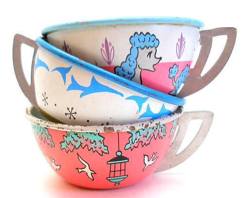 Tin toy tea cups