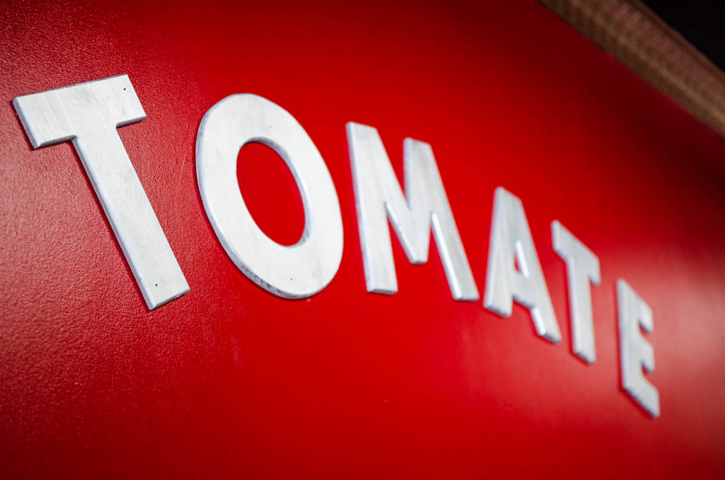 Tomate Sign