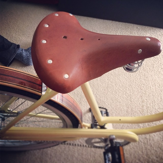 Just got the leather vintage-inspired suspension seat for my bike.  #itscomingtogether #vintagebicycle #bicycle