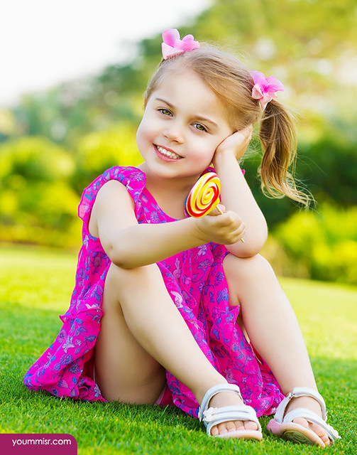 Little girl with lollipop | Flickr - Photo Sharing!