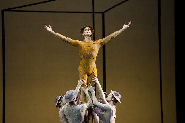 Edward Watson in Gloria, The Royal Ballet © ROH/Bill Cooper, 2011