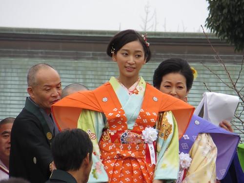 杏 / Anne (Actress) in Narita-san - Neyagawa, Osaka