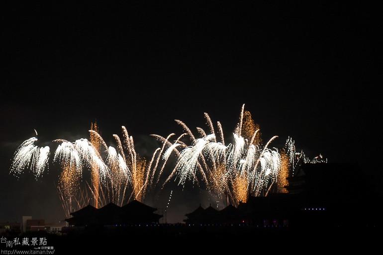 台南私藏景點-- 土城鹿耳門聖母廟煙火 (14)