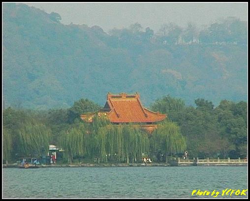 杭州 西湖 (其他景點) - 372 (西湖 湖上遊 往湖心亭 背景是湖心亭)