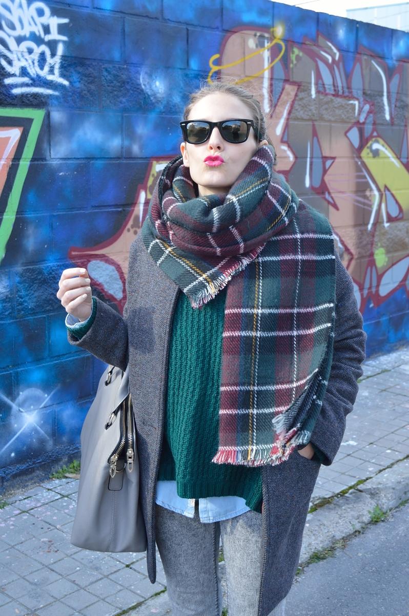 lara-vazquez-madlula-blog-tartan-pink-kiss-green-grey-look-fashion