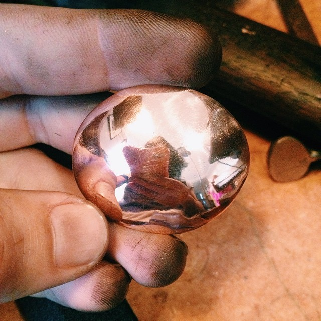 Experimenting with hand forging the bowl of a spoon in copper, for an idea I've been sitting with for awhile. I love having the opportunity to just play in the workshop. Happy Saturday! :) #handmadespoon #instasmithy