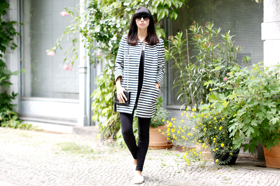 TOMS one for one shoes summer beige style pretty outfit OOTD JOOP! coat mantel streifen stripes CATS & DOGS fashion blog Berlin Ricarda Schernus 7