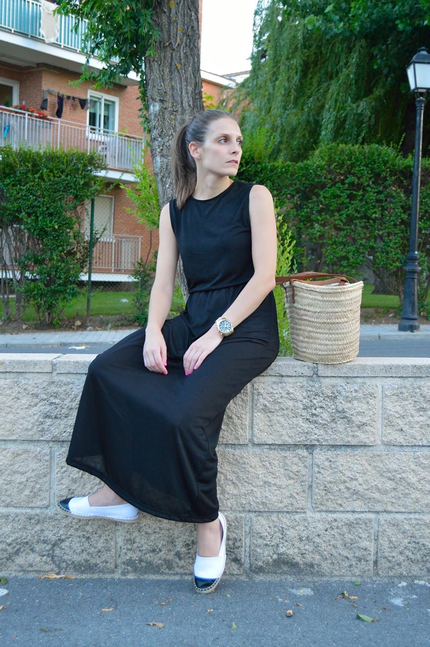 lara-vazquez-madlula-blog-style-black-dress-summer