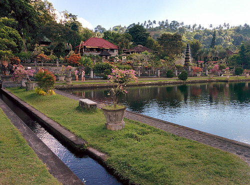 Tirta Gangga Royal Water Garden: Candidasa: Tirta Gangga, Ujung Water Palace And White