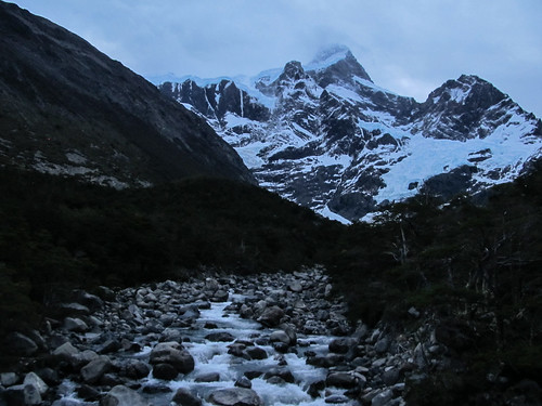 Torres del Paine: trek du W. Jour 2: les alentours du camping gratuit Italiano. Eau potable bien sûr ;)